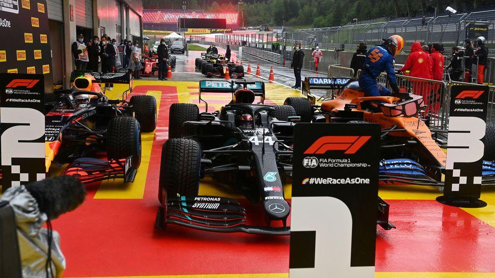 Foto: Carlos Sainz se coló entre los tres primeros gracias a un vueltón final. (Reuters)