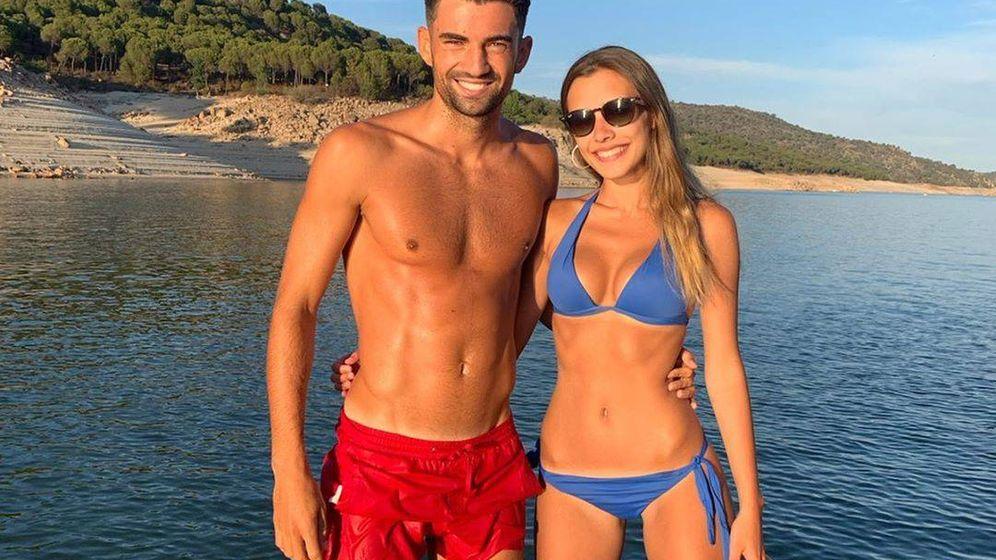 Foto: Enzo y Karen, en una imagen del perfil de Instagram del futbolista. (IG)