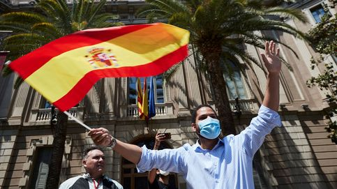 Vox denuncia que manifestantes les han tirado piedras, huevos y lejía en Barcelona