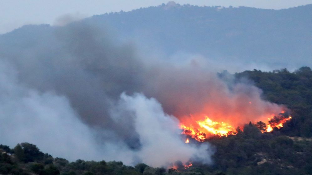 Foto: El fuego de la ribera d'ebre sigue sin control tras afectar 6.000 hectáreas