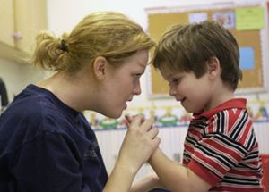 Tres estudios concluyen la existencia de un gen que aumenta el riesgo de autismo