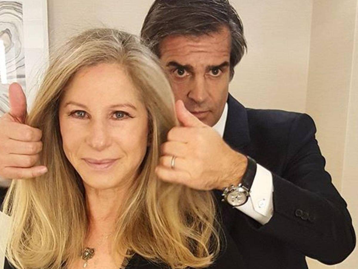 Foto: El reconocido peluquero, junto a Barbra Streisand. (Instagram @julienfarel)