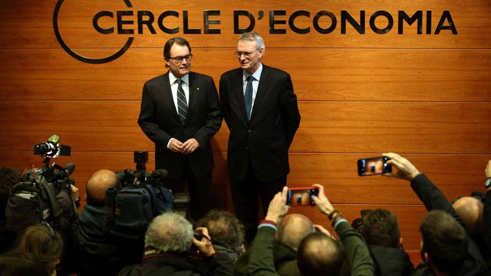 Foto: El expresidente de la Generalitat, Artur Mas, junto a Antón Costas, presidente del Círculo de Economía. (EFE)