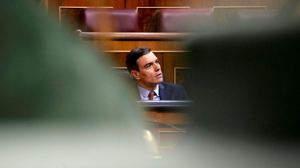 Foto: El presidete del Gobierno, Pedro Sánchez, durante la votación de la cuarta prórroga del estado de alarma en el Congreso de los Diputados. (Reuters)