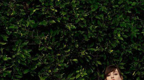 Anne Hathaway se apunta al flequillo tendencia del 2021 y rejuvenece 10 años