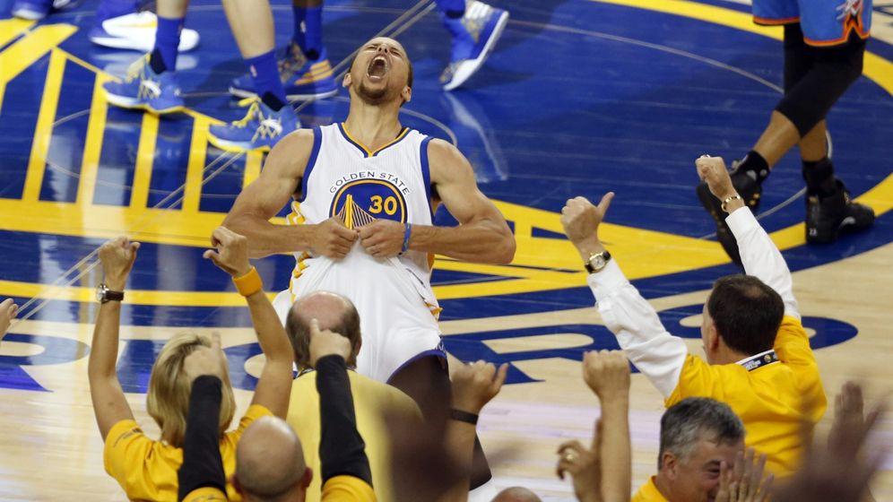 Foto: Curry celebrando el pase a la final de 2016. (EFE)