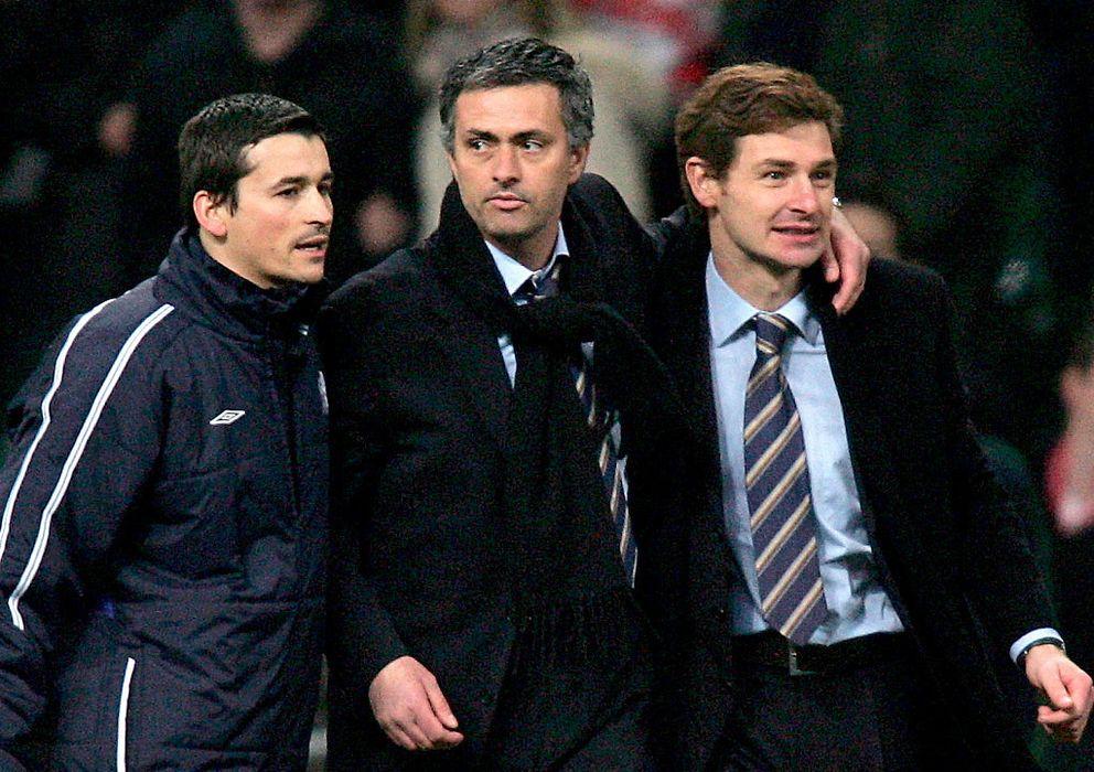Foto: José Mourinho y Villas-Boas, durante un partido del Chelsea en la primera etapa del técnico luso.
