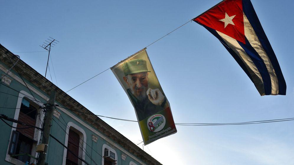 Foto: Fotografía donde se ve una imagen del fallecido líder cubano Fidel Castro. (Efe)