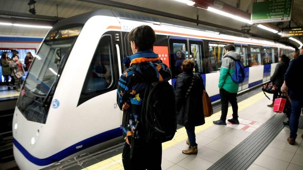 El joven que afilaba un cuchillo en el Metro es cortador de jamón
