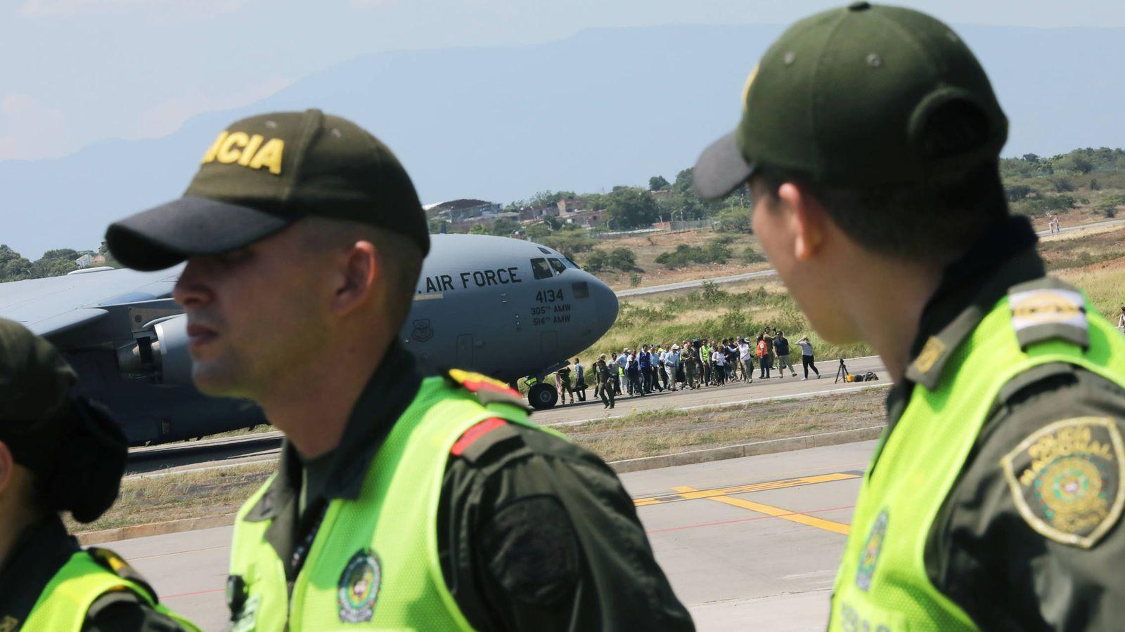 Foto: Un avión de la fuerza aérea de EEUU con ayuda humanitaria para Venezuela tras aterrizar en el aeropuerto Camilo Daza, en Cúcuta, Colombia. (Reuters)