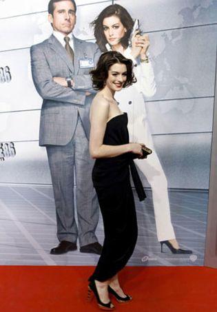 Foto: Pagan 12.000 dólares por pasar un rato con la actriz Anne Hathaway