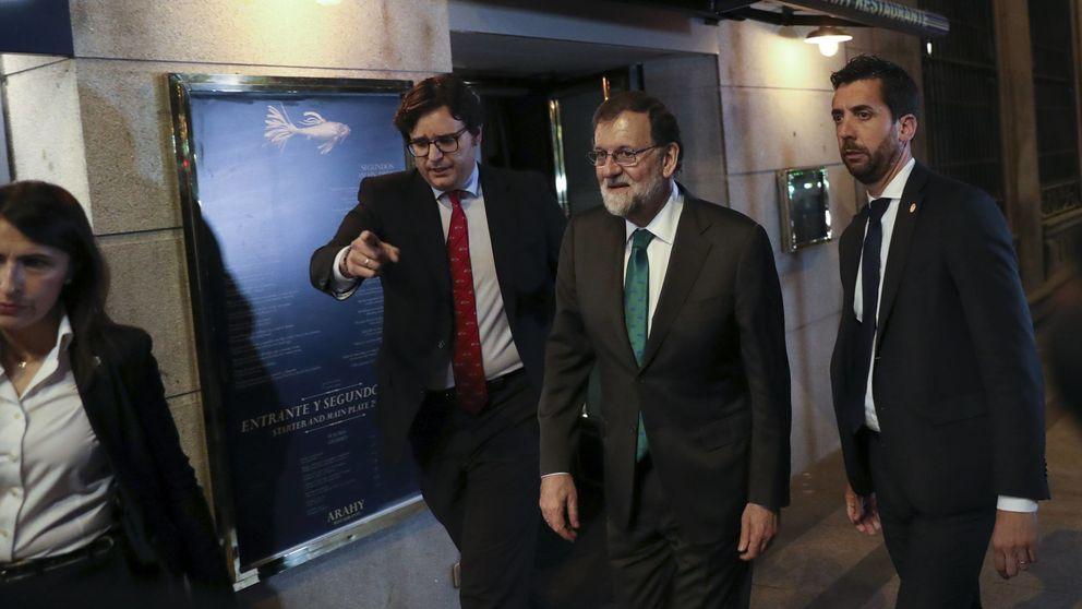 Directo |  Rajoy pasa siete horas en un restaurante cerca del Congreso