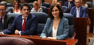 Post de Con onda al agua y camiseta interior: el primer look de 'presidenta' de Díaz Ayuso