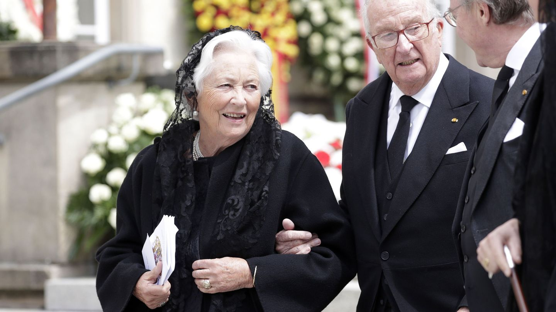 El rey Alberto y Paola de Bélgica en el funeral de Jean de Luxemburgo. (EFE)