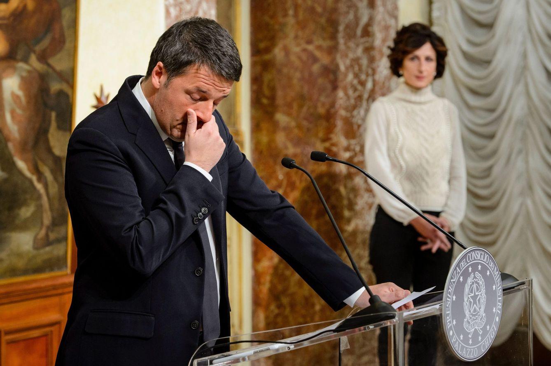 Foto: Renzi durante la rueda de prensa en la que anunció su dimisión, en Roma, el 4 de diciembre de 2017 (Efe).