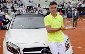 Bautista logra el segundo título de su carrera al ganar a Rosol en Stuttgart