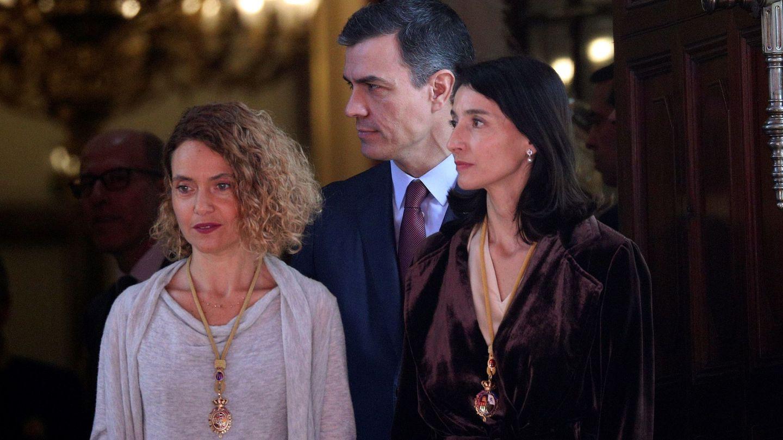 Sánchez y las presidentas de Congreso y Senado, Meritxell Batet (i) y Pilar Llop, el 3 de febrero. (EFE)