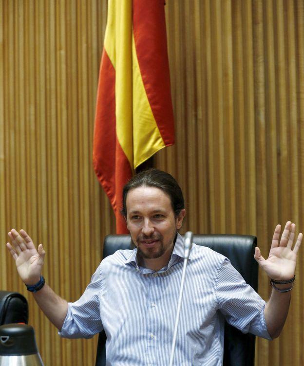 Foto: El líder de Podemos, Pablo Iglesias, durante una reunión en el Congreso del grupo parlamentario de la formación. (EFE)