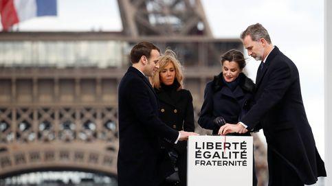 Las mejores fotos del viaje exprés de don Felipe y doña Letizia a París