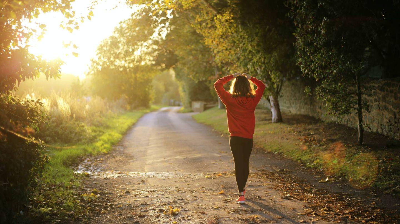Alterna caminatas con carreras. (Emma Simpson para Unsplash)