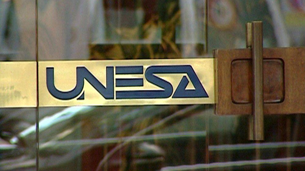 Foto: Foto de archivo de la puerta de la sede de UNESA. (EFE)