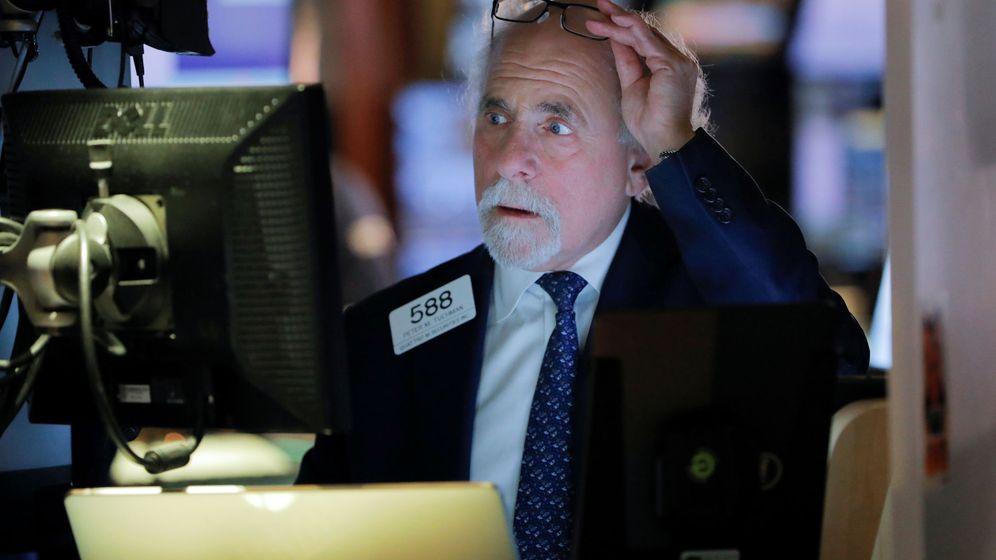 Foto: Un trader en la bolsa de Nueva York estos días. (Reuters)