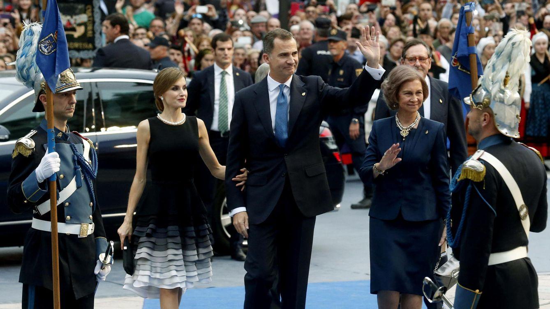 El Rey pide alejarnos de lo que nos separa e invita a seguir construyendo España
