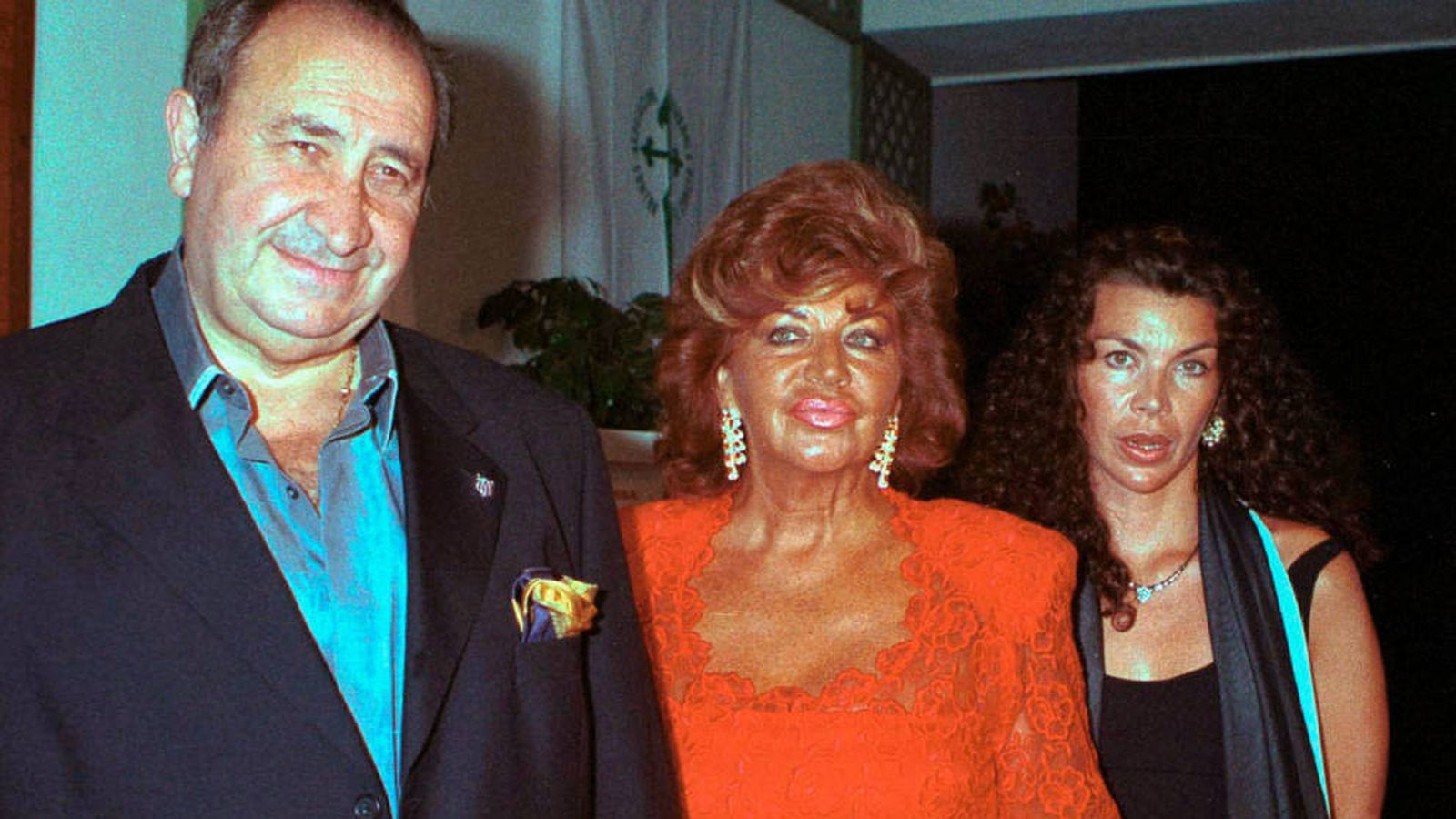 Foto: Jesús Gil y su esposa e hija. (Getty)