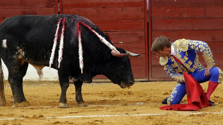 Foto: El Cordobés frente a un toro
