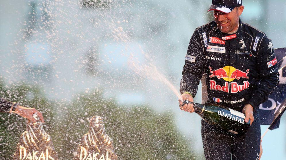 Foto: Stephane Peterhansel en el podio del Rally Dakar 2017 de Buenos Aires.