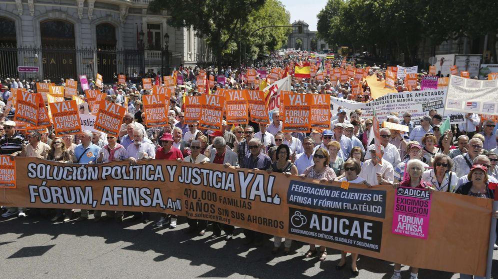 Foto: Manifestación de afectados por Afinsa. (EFE)