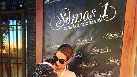 Tamara Gorro le canta el tema 'Como una ola' de Rocío Jurado a su hija Shaila