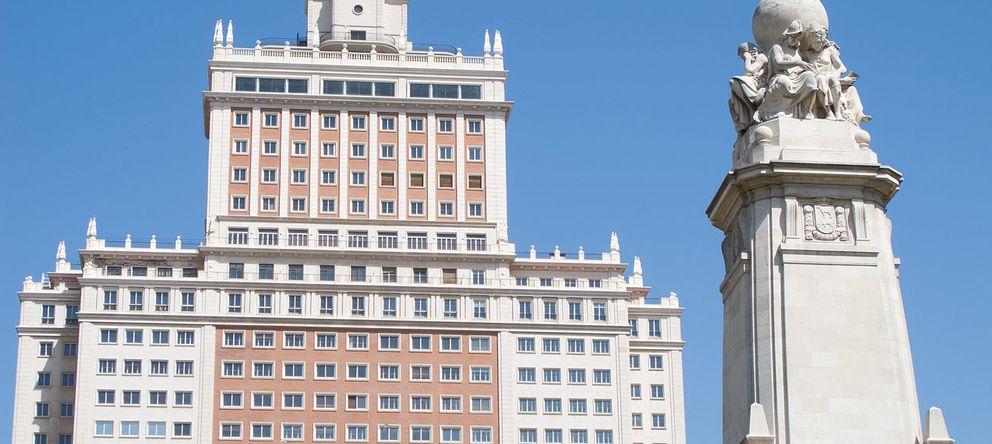 Foto: Vista del Edificio España. (Carlos Delgado, Wikimedia))