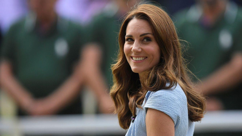 La duquesa de Cambridge también tiene un pasado polémico (y siempre vuelve)