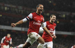 El Arsenal salva el liderato mientras siente el aliento de Chelsea y City
