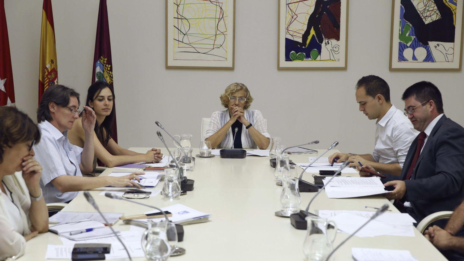 Foto: Reunión de la Junta de Gobierno Municipal, presidida por Manuela Carmena. (EFE)