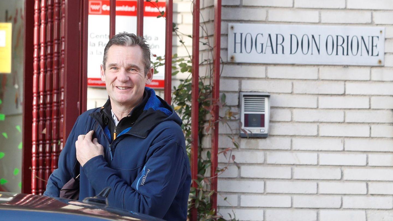 Iñaki Urdangarin llega al Hogar Don Orione. (EFE)