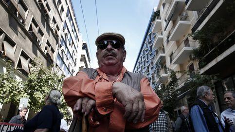 Griegos solos ante la crisis: ser jubilado en el reducto de la izquierda