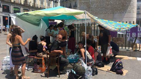 """El feminismo acampa en Sol: """"No nos iremos hasta que nos sintamos seguras"""""""