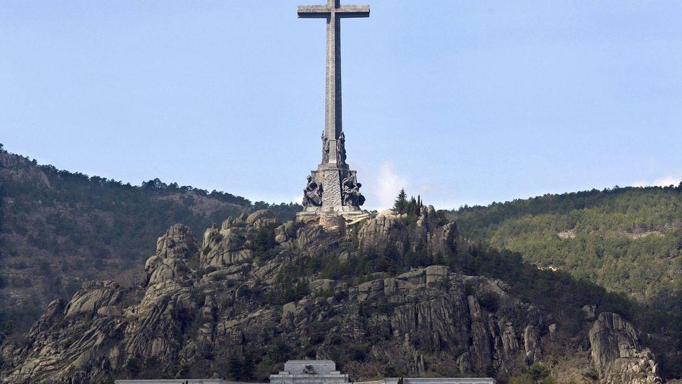 La izquierda y C's instan a Rajoy a sacar los cadáveres de Franco y José Antonio