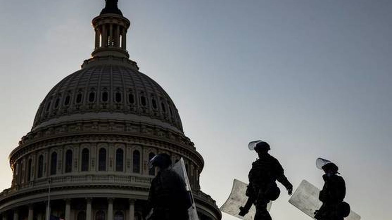 EEUU no presenta cargos contra el policía que disparó a una de las asaltantes del Capitolio
