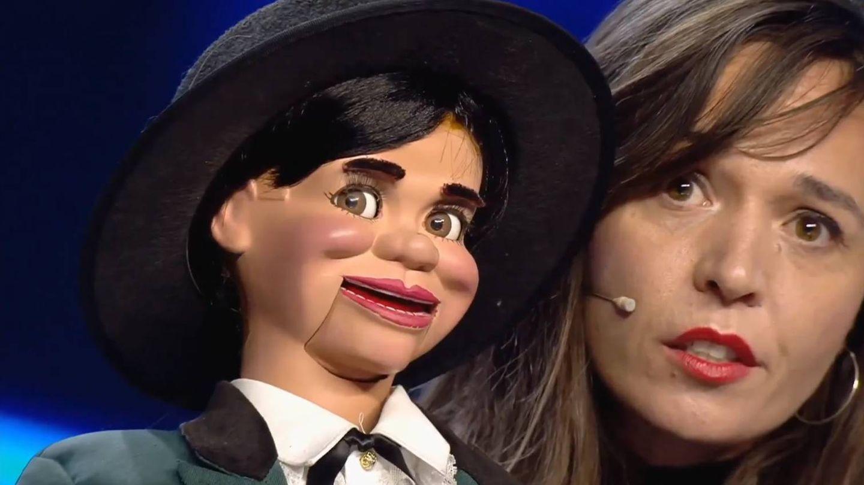 Celia Muñoz, con su muñeco Joselito. (Mediaset)