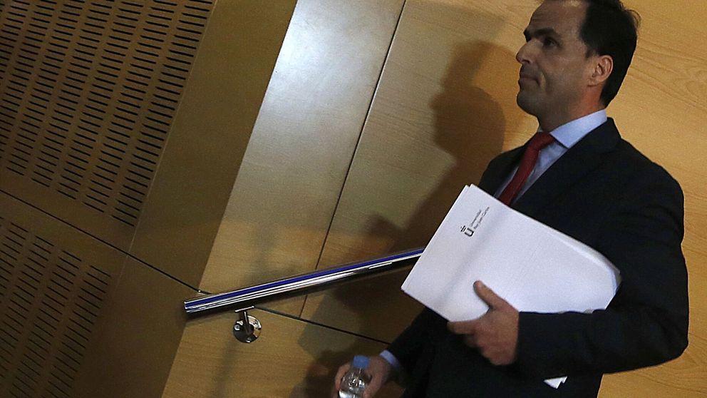 El rector mintió: nunca habló con el tribunal para averiguar que el acta era falsa