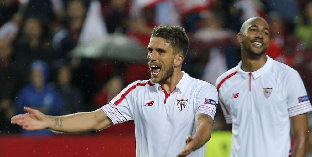 Foto: Carriço, a la izquierda, es un futbolista fundamental para Unai Emery (EFE)