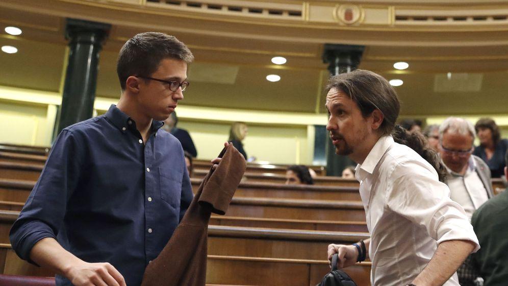 Foto: Errejón e Iglesias en la segunda jornada del debate de investidura. (Efe/Javier Lizón)