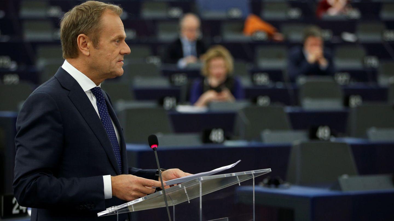 El presidente del Consejo Europeo Donald Tusk se dirige al Parlamento Europeo en Estrasburgo, el 27 de marzo de 2019. (Reuters)