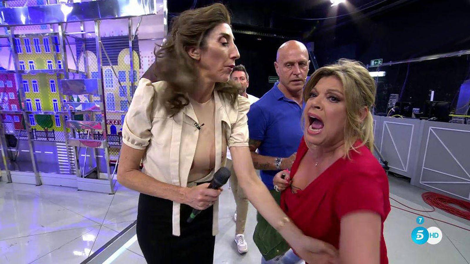 Foto: Terelu, desquiciada, en 'Sálvame' tras una bronca con Mila. (Mediaset España)