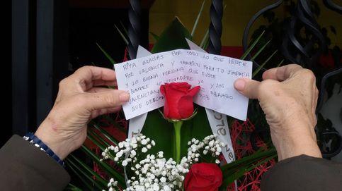 Muere Rita Barberá: flores y mensajes para recordar a 'la alcaldesa de España'