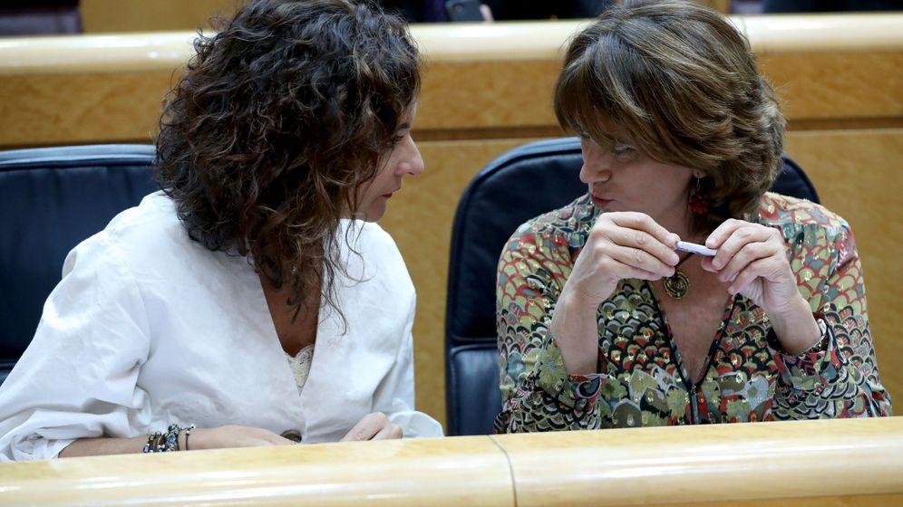 Foto: Las ministras de Hacienda y Justicia, María Jesús Montero y Dolores Delgado. (EFE)