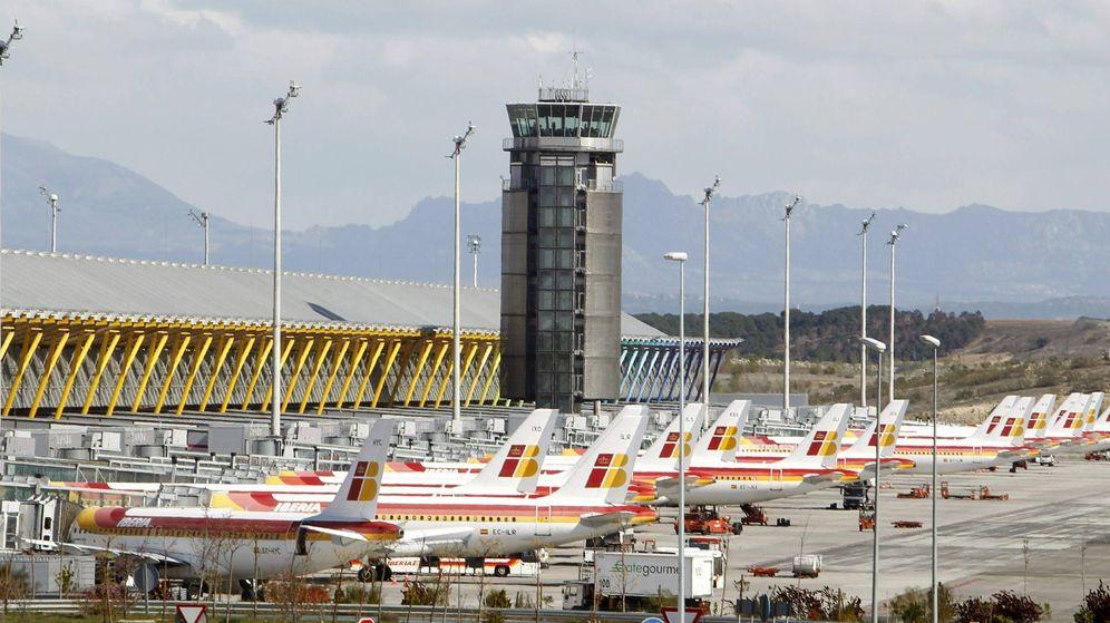 Foto: Aviones de Iberia en la T4 de Madrid Barajas. (EFE)